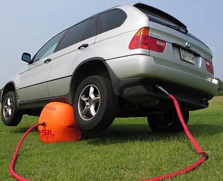 http://www.2803.fr/wp-content/uploads/2008/05/crick-voiture.jpg